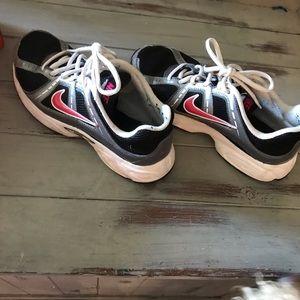 Nike women's sneakers 7.5